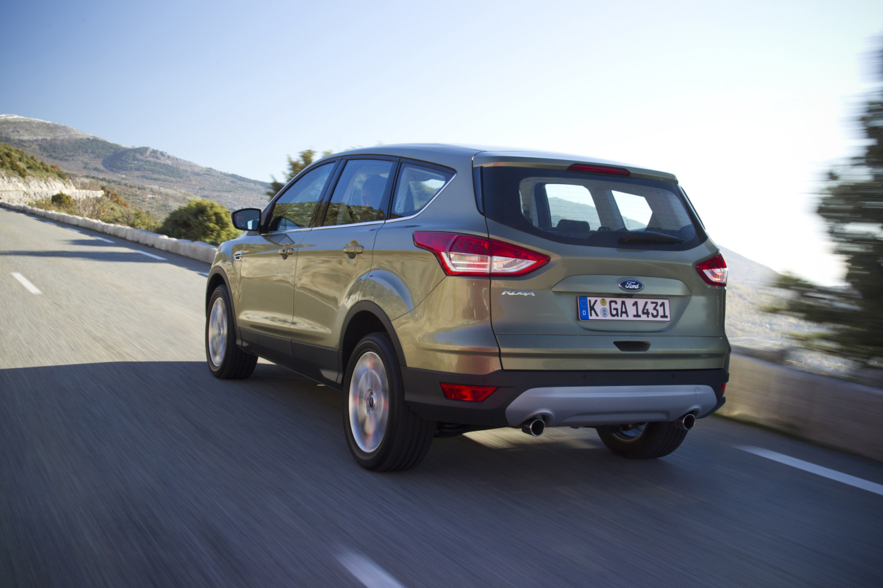 prix ford kuga 2016 des tarifs partir de 23 700 euros photo 4 l 39 argus. Black Bedroom Furniture Sets. Home Design Ideas
