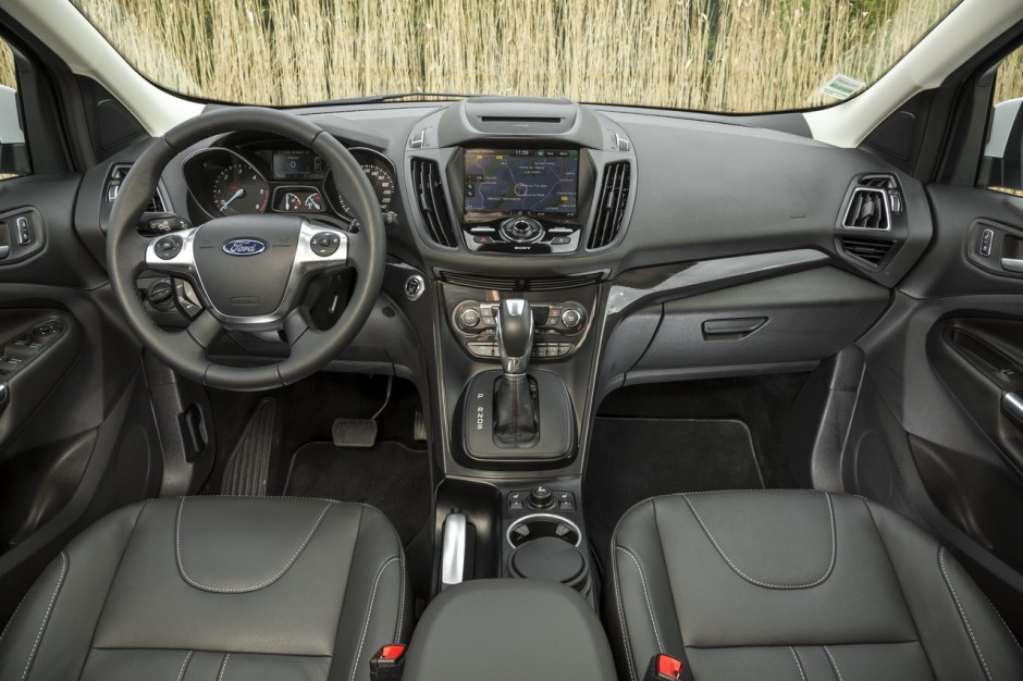 essai ford kuga 2 0 tdci 150 4x4 powershift toujours dans le coup photo 18 l 39 argus. Black Bedroom Furniture Sets. Home Design Ideas