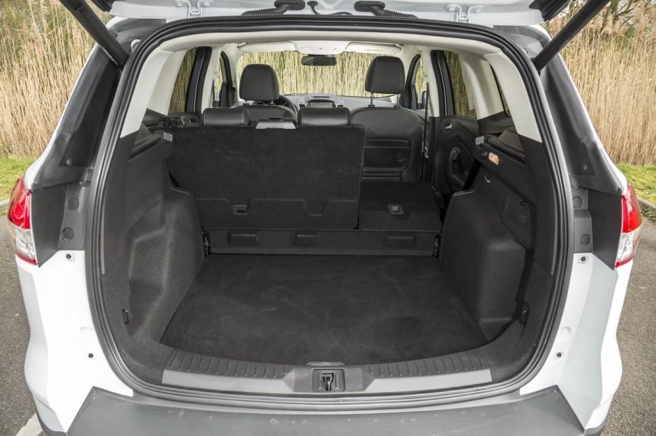 essai ford kuga 2 0 tdci 150 4x4 powershift toujours dans le coup photo 24 l 39 argus. Black Bedroom Furniture Sets. Home Design Ideas