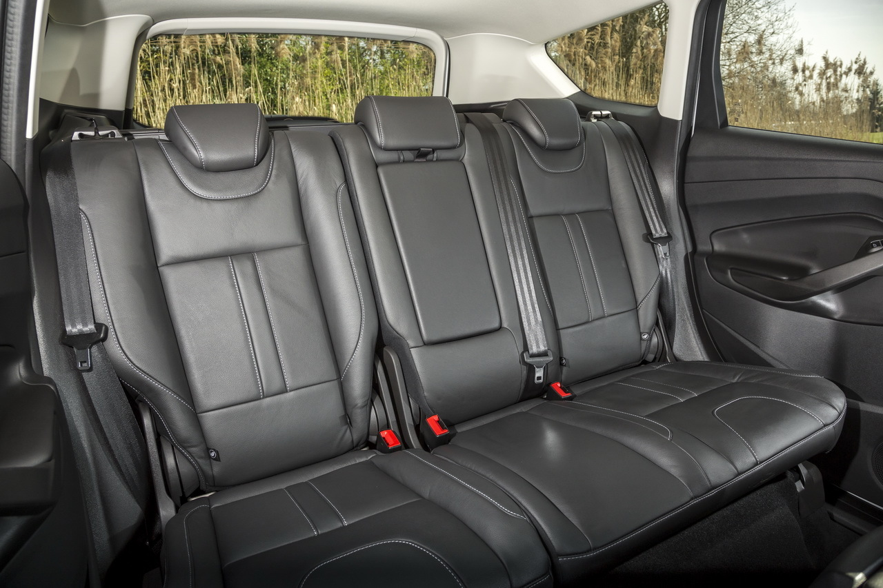 essai ford kuga 2 0 tdci 150 4x4 powershift toujours. Black Bedroom Furniture Sets. Home Design Ideas