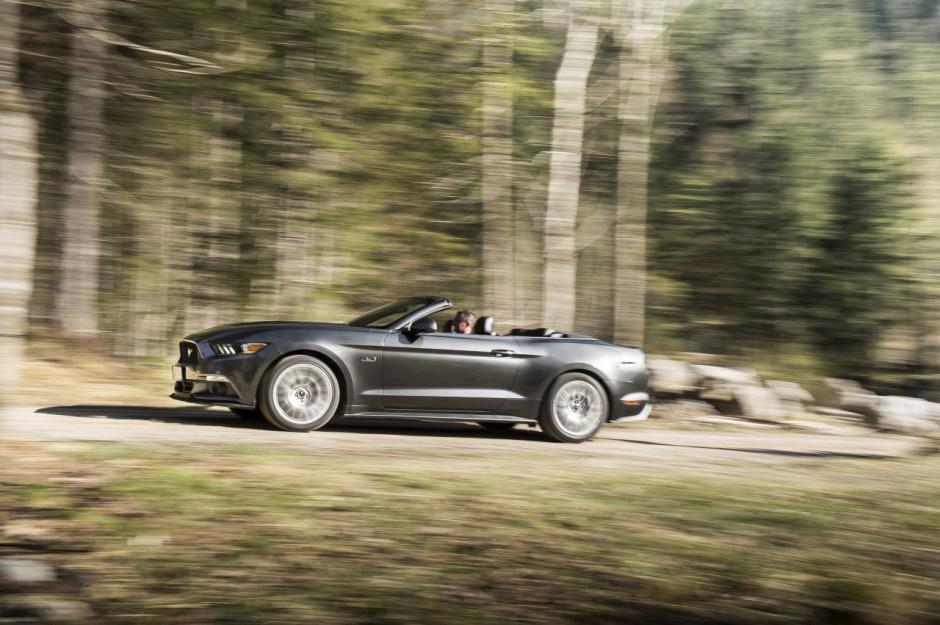 essai ford mustang cabriolet 2015 le test avec le moteur ecoboost photo 19 l 39 argus. Black Bedroom Furniture Sets. Home Design Ideas