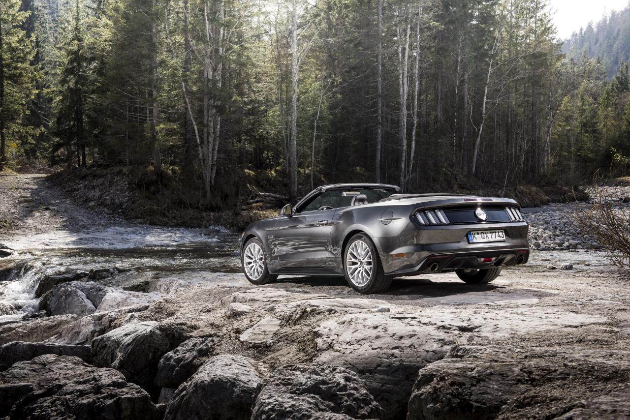 essai ford mustang cabriolet 2015 le test avec le moteur ecoboost photo 30 l 39 argus. Black Bedroom Furniture Sets. Home Design Ideas