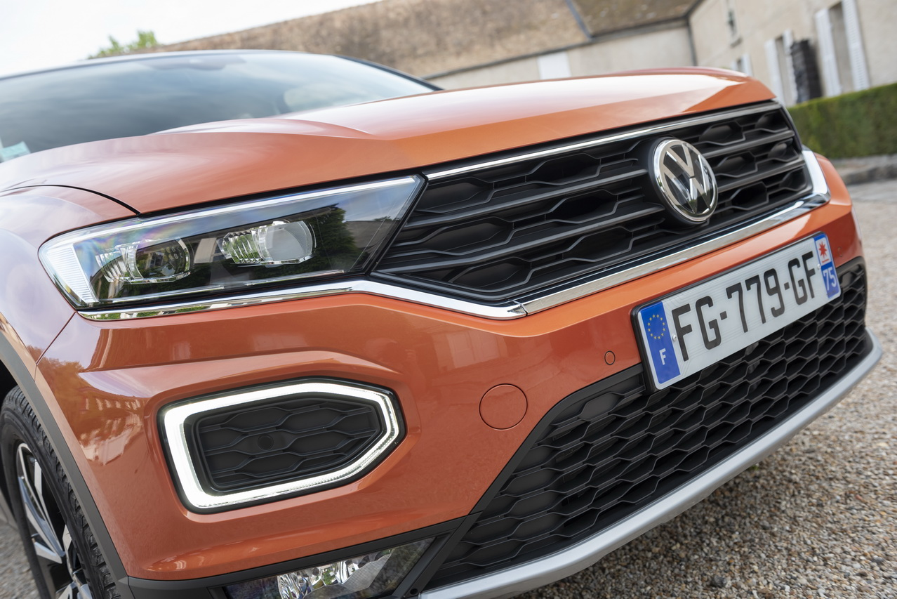 Original VW t4 Transporteur Pulvérisateur avant chauffable Buse Waschdüse Vitre Frontale