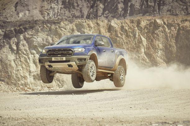 ford-ranger-raptor-2019-bleu-performance-10
