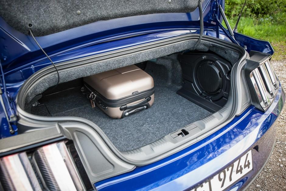 essai ford mustang cabriolet 2015 le test avec le moteur ecoboost photo 6 l 39 argus. Black Bedroom Furniture Sets. Home Design Ideas