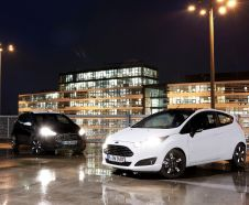 Ford Fiesta Black&White : une s�rie sp�ciale contrast�e