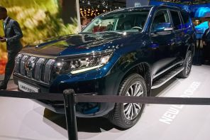 toyota land cruiser restylé au salon de francfort 2017