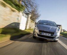 Vue avant Peugeot 5008