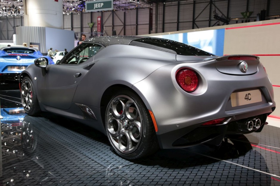 alfa romeo 4c s ries limit es competizione et italia gen ve 2018 photo 3 l 39 argus. Black Bedroom Furniture Sets. Home Design Ideas