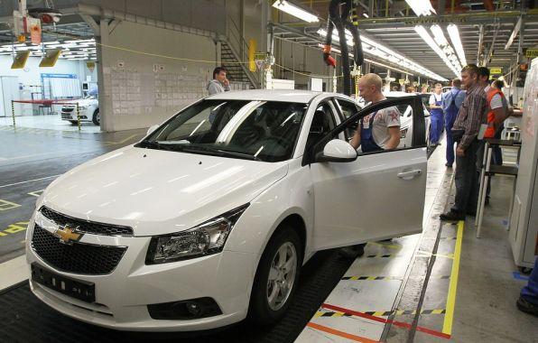 GM ne mise plus sur le march� russe. Fermer son usine de Saint-Petersbourg signifie qu'il entend en �tre absent pour longtemps.