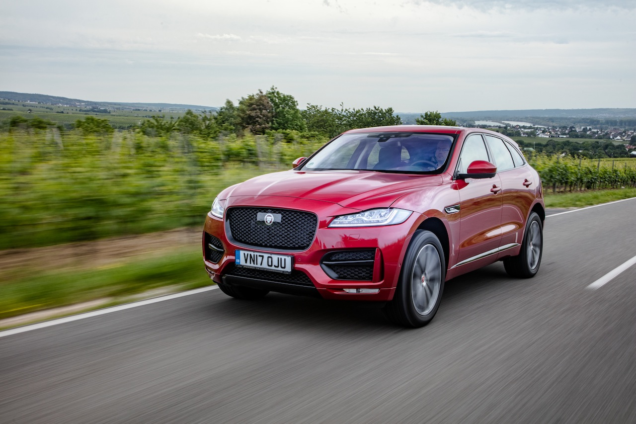 essai jaguar f pace 25d awd 2017 notre avis sur le diesel 240 ch photo 2 l 39 argus. Black Bedroom Furniture Sets. Home Design Ideas