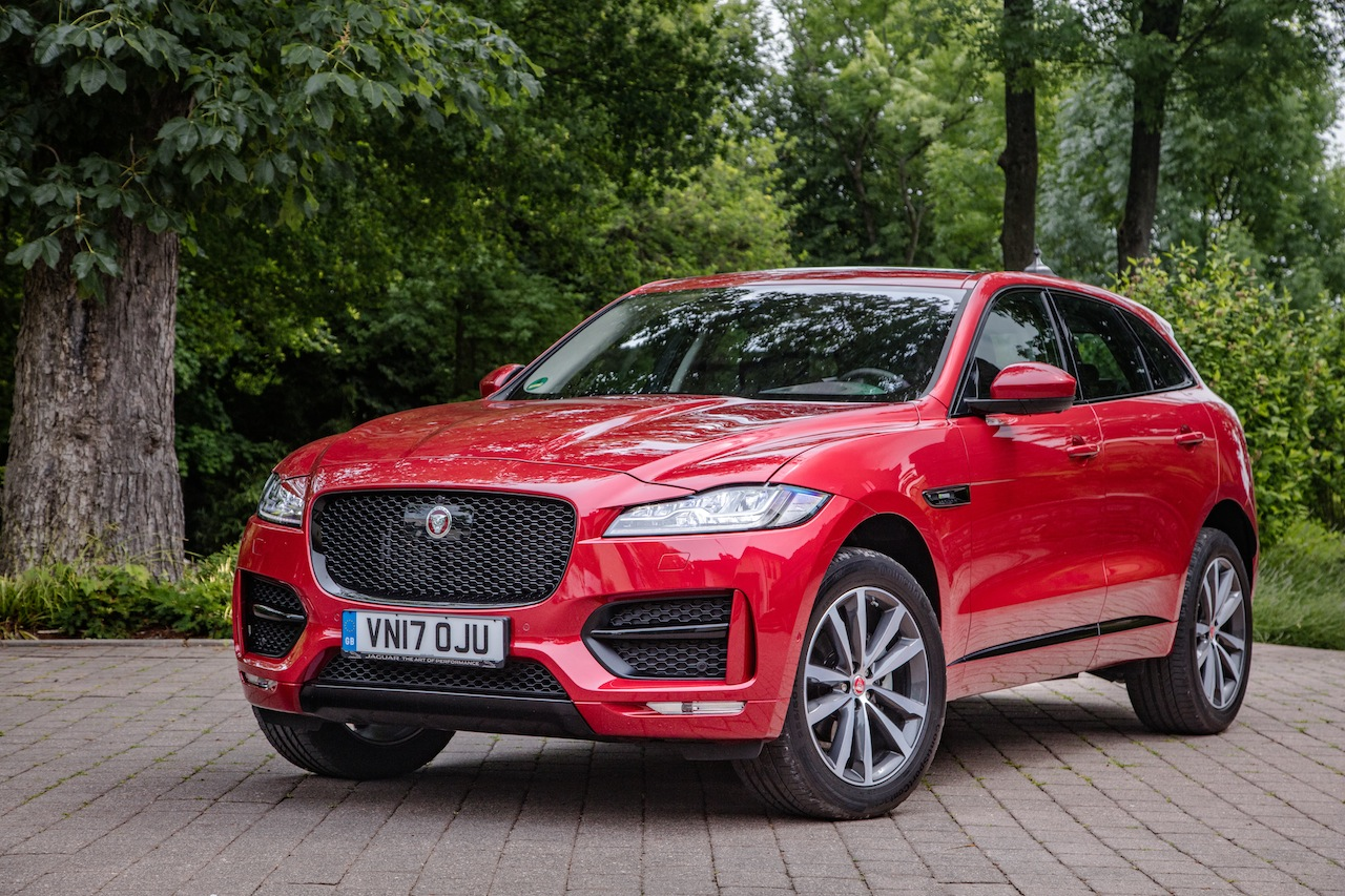 essai jaguar f pace 25d awd 2017 notre avis sur le diesel 240 ch photo 4 l 39 argus. Black Bedroom Furniture Sets. Home Design Ideas