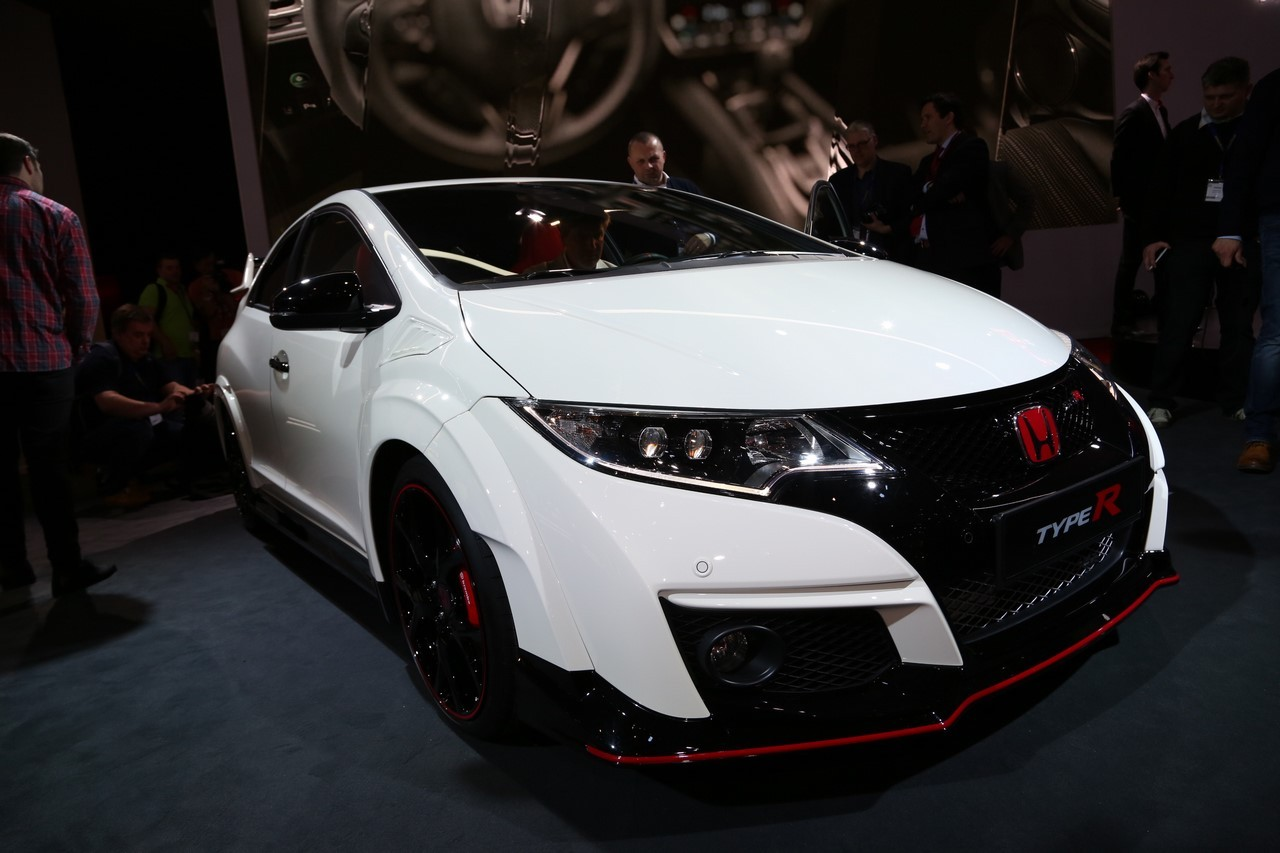 2015 honda civic type r first drive review car and driver. Black Bedroom Furniture Sets. Home Design Ideas