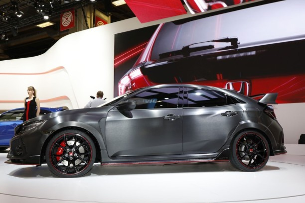 honda civic type r un prototype de la future type r au mondial 2016 l 39 argus. Black Bedroom Furniture Sets. Home Design Ideas