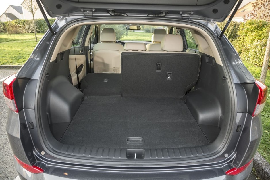 essai comparatif le hyundai tucson d fie le renault kadjar photo 19 l 39 argus. Black Bedroom Furniture Sets. Home Design Ideas