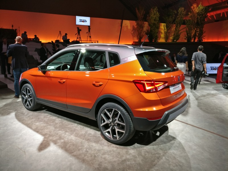 seat arona 2017 infos photos tout sur le rival du renault captur photo 13 l 39 argus. Black Bedroom Furniture Sets. Home Design Ideas