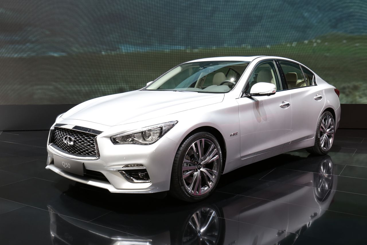infiniti q50 restyl e subtiles retouches et nouvelles technologies infiniti auto evasion. Black Bedroom Furniture Sets. Home Design Ideas