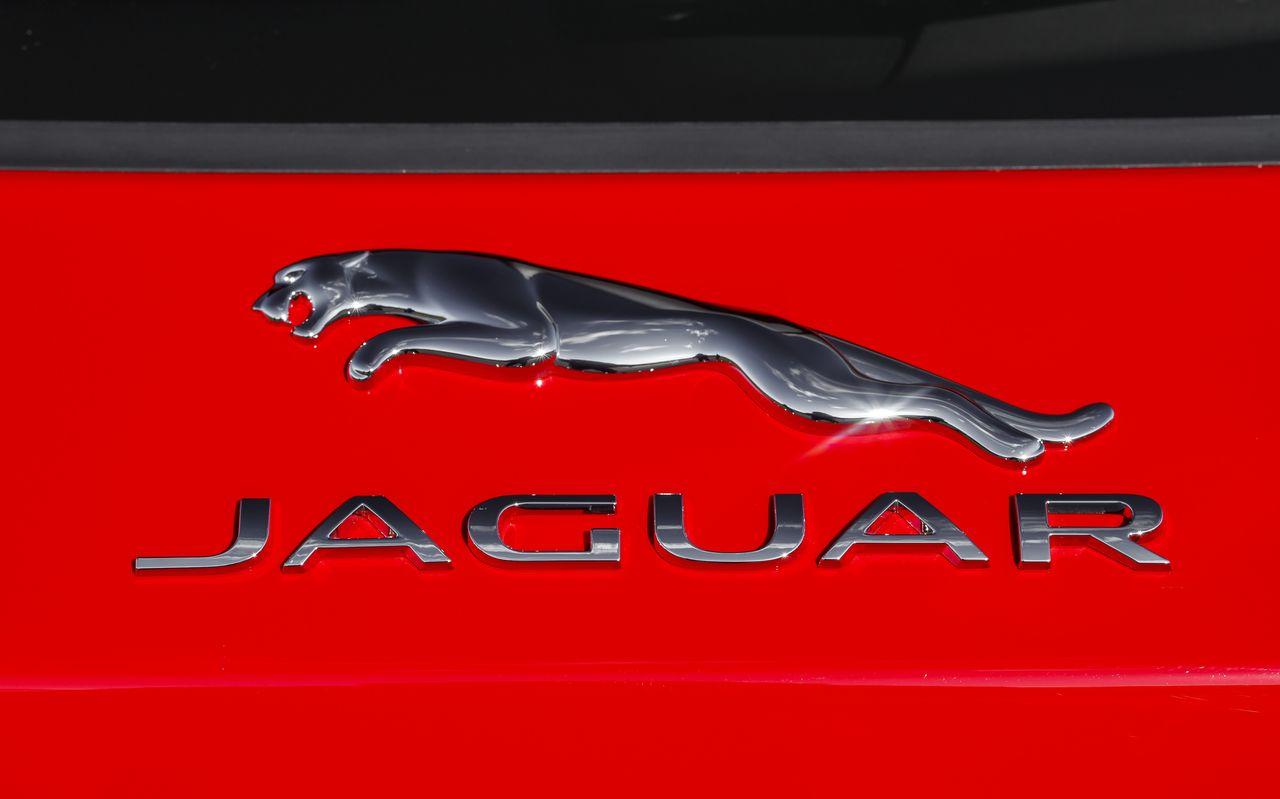 essai jaguar e pace 2018 notre avis sur le petit suv jaguar photo 17 l 39 argus. Black Bedroom Furniture Sets. Home Design Ideas