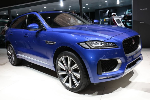 jaguar f pace 2017 un essence et deux diesels in dits gen ve l 39 argus. Black Bedroom Furniture Sets. Home Design Ideas