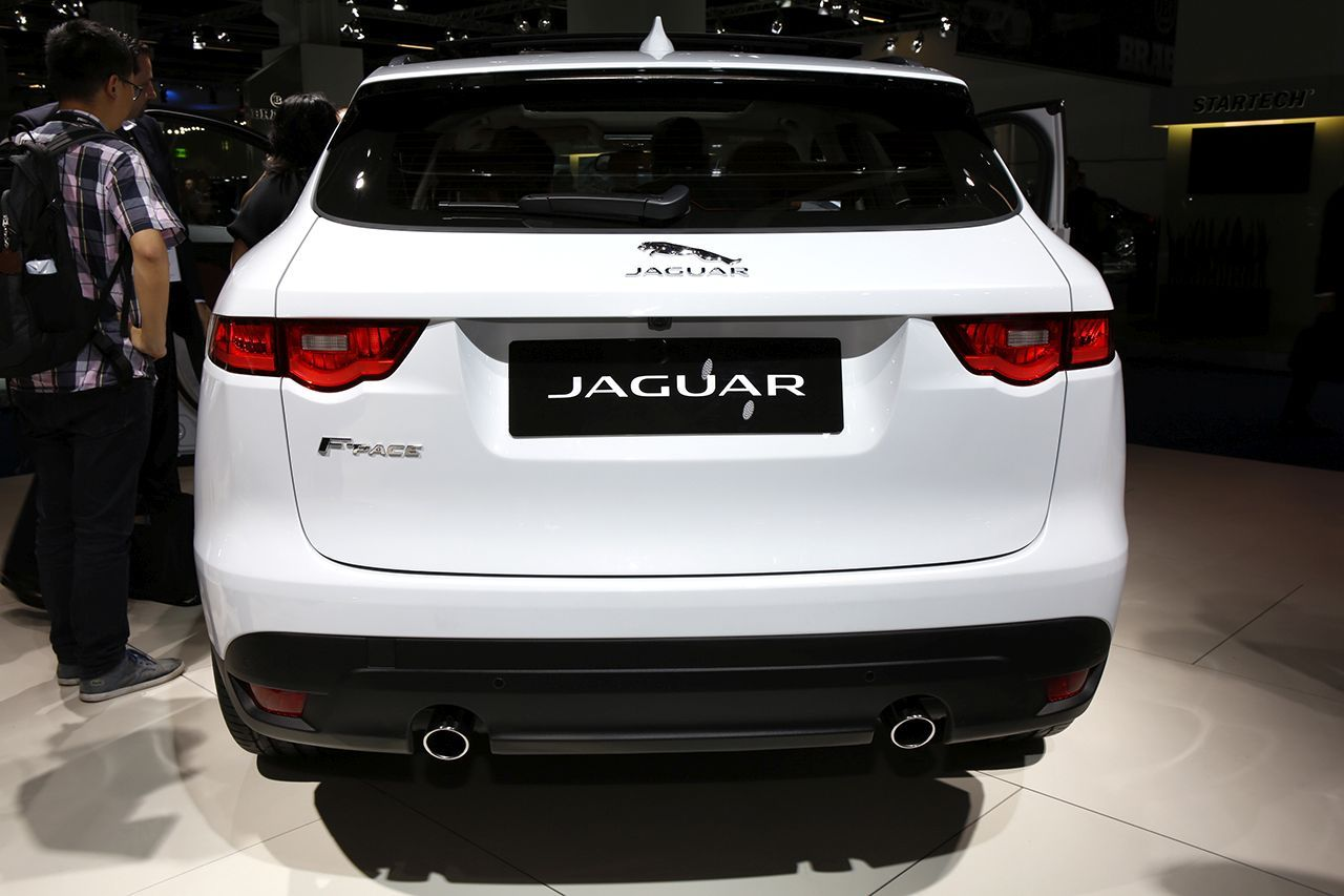 Jaguar f pace l 39 argus d j bord photo 15 l 39 argus for Interieur jaguar f pace