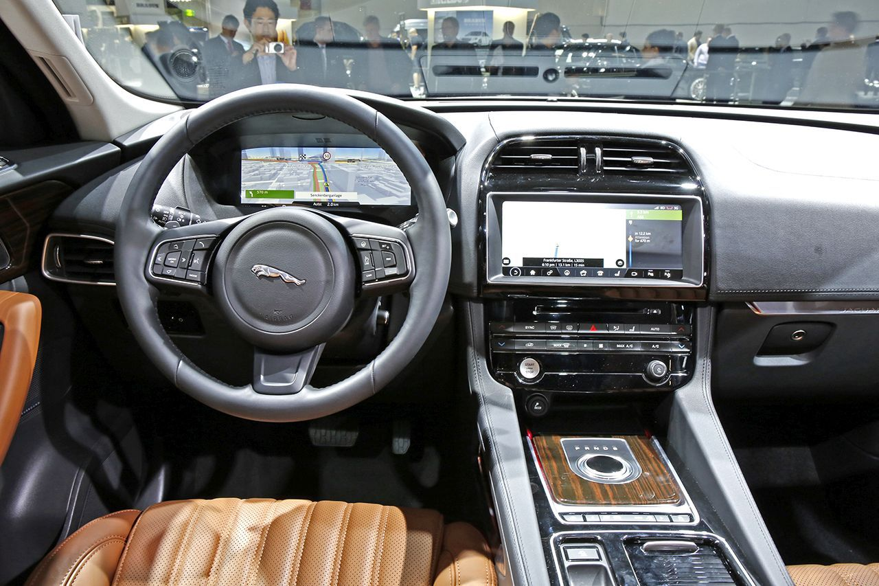 francfort 2015 fiches techniques du nouveau suv jaguar f pace 2016 photo 21 l 39 argus. Black Bedroom Furniture Sets. Home Design Ideas