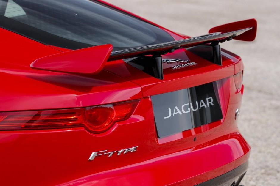 jaguar f type svr 2016 les plus belles photos de l 39 essai photo 9 l 39 argus. Black Bedroom Furniture Sets. Home Design Ideas
