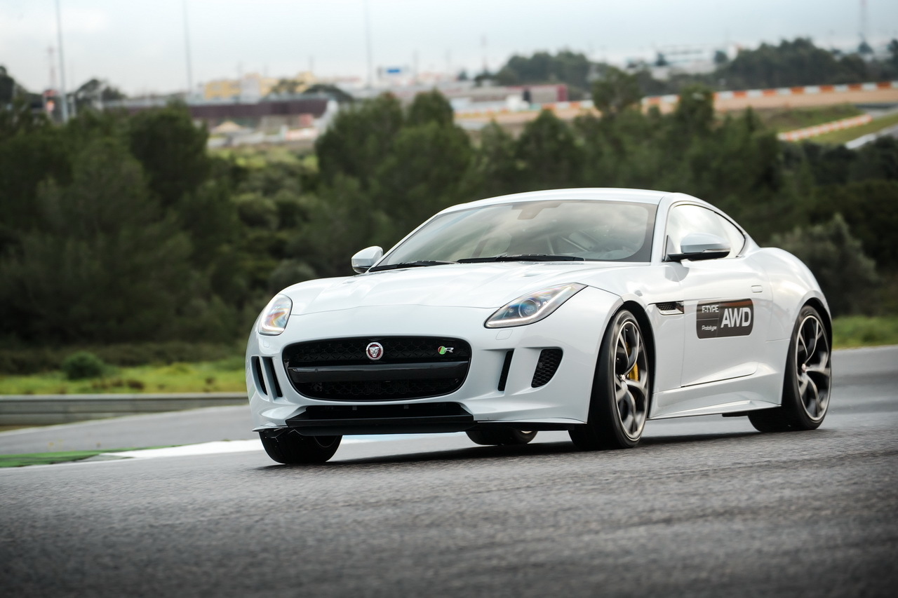 jaguar f type 2015 bo te m canique et transmission 4x4 l 39 essai l 39 argus. Black Bedroom Furniture Sets. Home Design Ideas