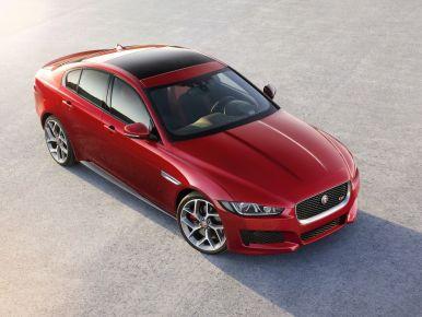 la jaguar xe sera disponible partir du mois de f vrier 2015 son prix a partir de 37 000. Black Bedroom Furniture Sets. Home Design Ideas