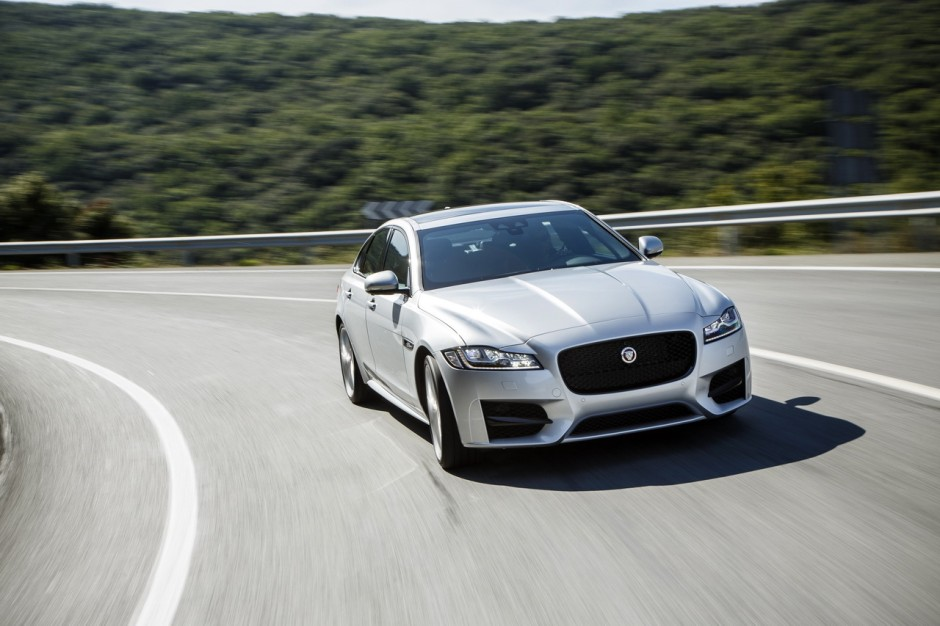 essai jaguar xf 2015 le test de la version diesel de 180 ch photo 8 l 39 argus. Black Bedroom Furniture Sets. Home Design Ideas