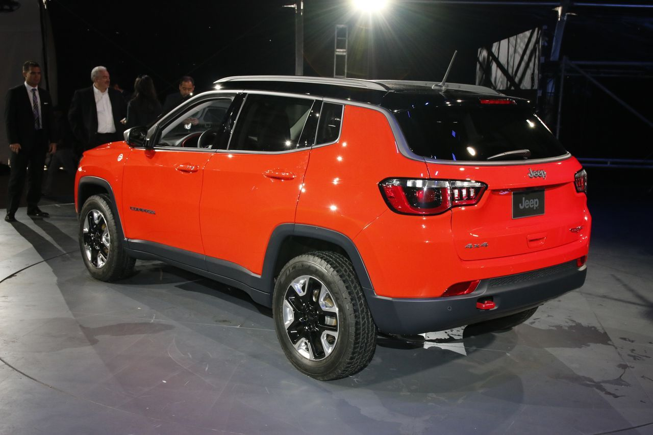 nouveau jeep compass 2017 en vedette au salon de los angeles photo 3 l 39 argus. Black Bedroom Furniture Sets. Home Design Ideas