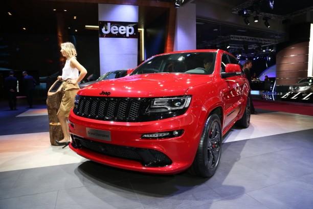 jeep cherokee srt red vapor le grand m chant look l 39 argus. Black Bedroom Furniture Sets. Home Design Ideas