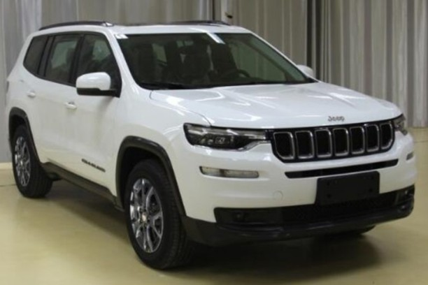 jeep grand commander un nouveau suv 7 places pour la chine l 39 argus. Black Bedroom Furniture Sets. Home Design Ideas