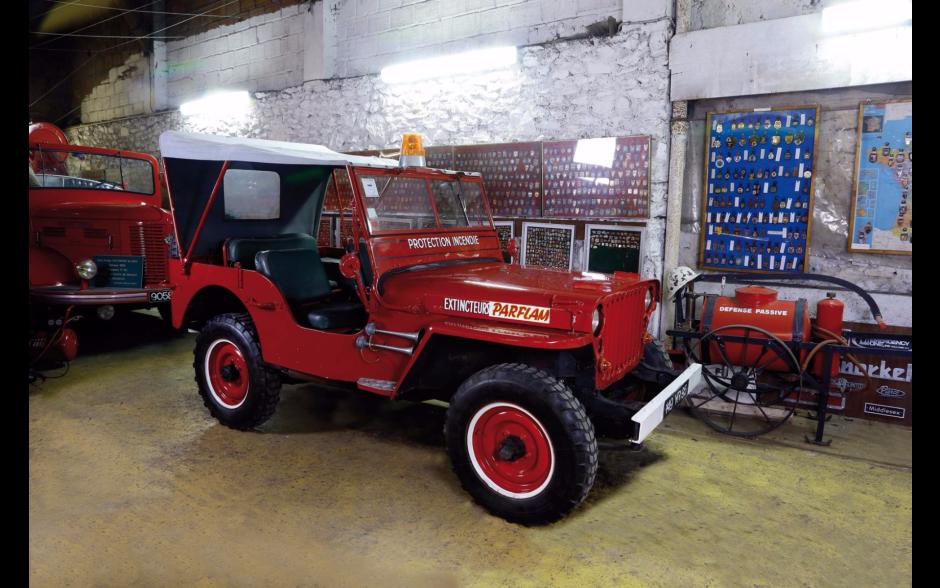 des anciens v hicules de pompiers mis en vente aux ench res jeep willys 1946 l 39 argus. Black Bedroom Furniture Sets. Home Design Ideas
