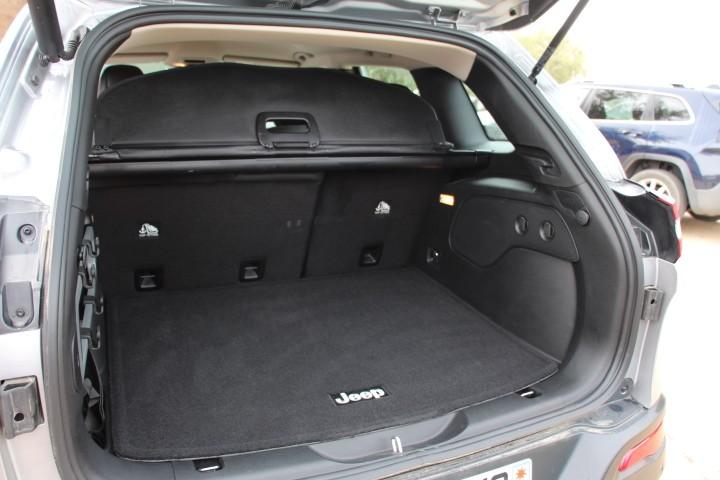 essai jeep cherokee 2 2 multijet 185 ch pour s duire photo 9 l 39 argus. Black Bedroom Furniture Sets. Home Design Ideas