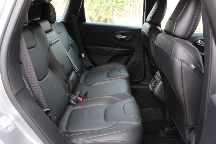 essai jeep cherokee 2 2 multijet 185 ch pour s duire photo 7 l 39 argus. Black Bedroom Furniture Sets. Home Design Ideas