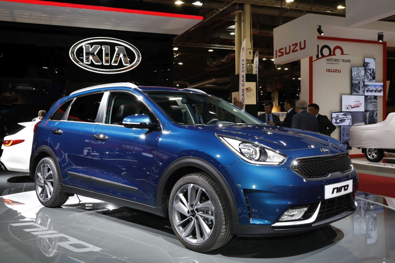 top des suv au mondial de l 39 automobile 2016 kia niro l 39 argus. Black Bedroom Furniture Sets. Home Design Ideas
