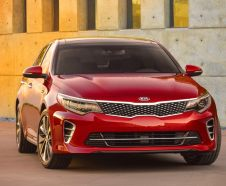 Kia Optima rouge 2015