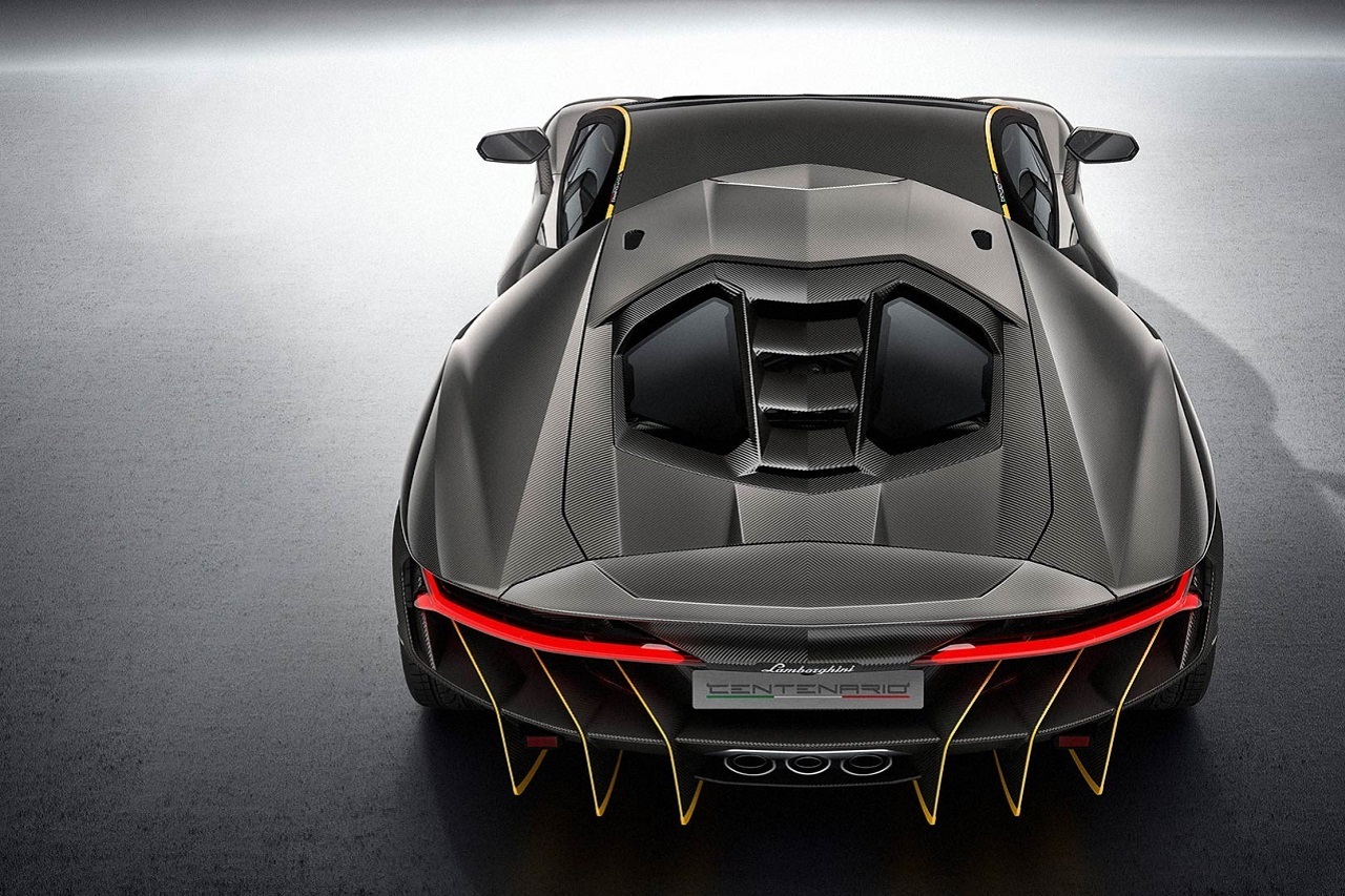 100 ans de ferrucio lamborghini photos des mod les les plus mythiques lamborghini centenario. Black Bedroom Furniture Sets. Home Design Ideas