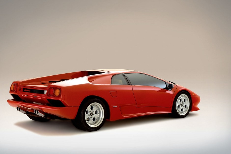 100 ans de ferrucio lamborghini photos des mod les les plus mythiques lamborghini diablo. Black Bedroom Furniture Sets. Home Design Ideas