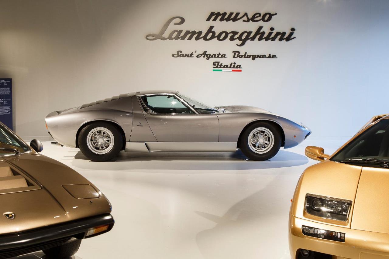 le mus e lamborghini fait peau neuve voitures anciennes auto evasion forum auto. Black Bedroom Furniture Sets. Home Design Ideas
