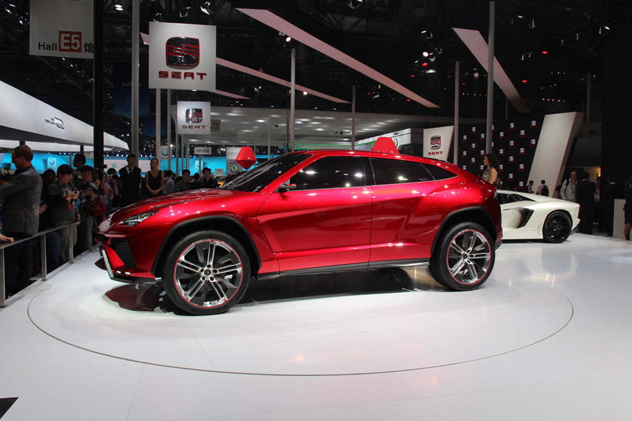 lamborghini urus le super suv d j en cours de production photo 6 l 39 argus. Black Bedroom Furniture Sets. Home Design Ideas