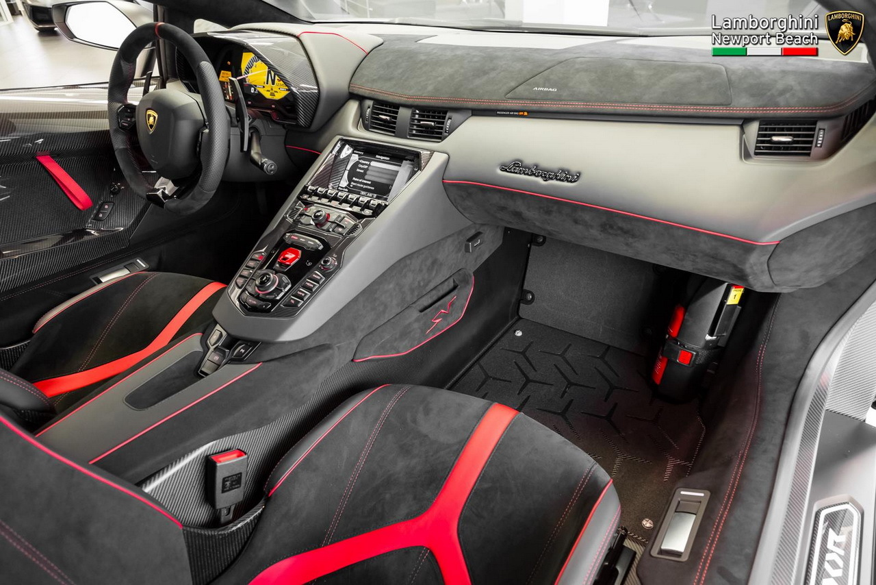 lamborghini aventador sv roadster la plus exclusive photo 12 l 39 argus. Black Bedroom Furniture Sets. Home Design Ideas