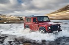 Land Rover Defender Works rouge