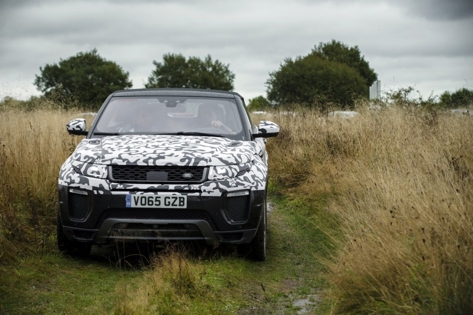 land rover evoque cabriolet 2016 l 39 bord en tout terrain photo 2 l 39 argus. Black Bedroom Furniture Sets. Home Design Ideas