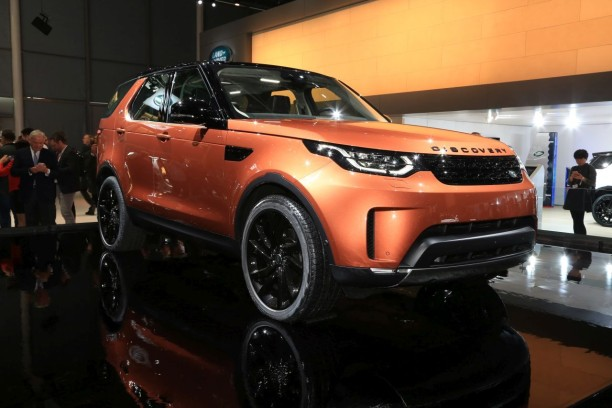 land rover discovery 2017 les photos et les infos officielles l 39 argus. Black Bedroom Furniture Sets. Home Design Ideas