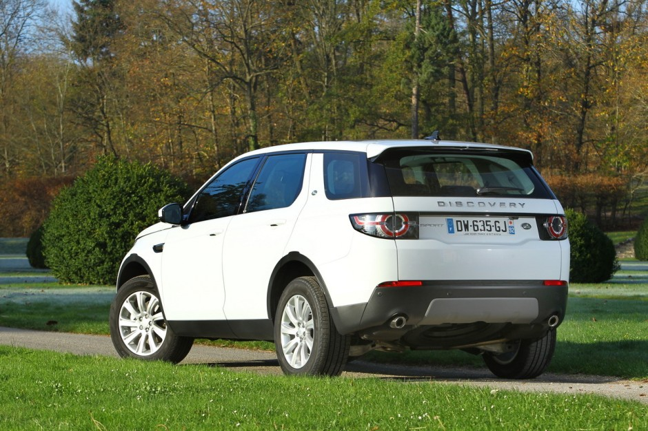 essai land rover discovery sport il n 39 a pas froid aux yeux photo 66 l 39 argus. Black Bedroom Furniture Sets. Home Design Ideas