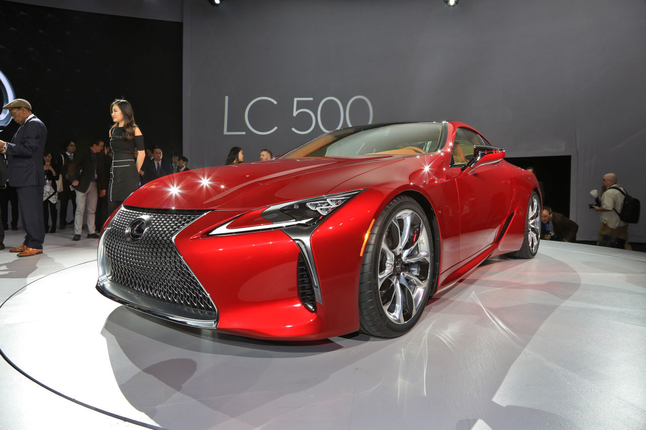 lexus lc 500 coup de tonnerre au salon de detroit 2016 photo 3 l 39 argus. Black Bedroom Furniture Sets. Home Design Ideas