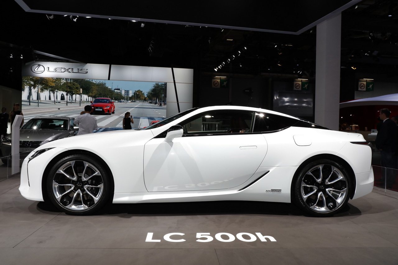 mondial auto 2016 lexus lc 500h l 39 hybride est l l 39 argus. Black Bedroom Furniture Sets. Home Design Ideas