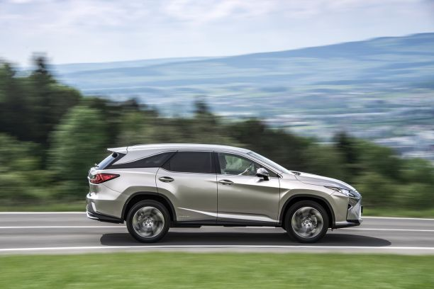 lexus rx 450h l 2018 notre avis sur le premier lexus 7 places l 39 argus. Black Bedroom Furniture Sets. Home Design Ideas