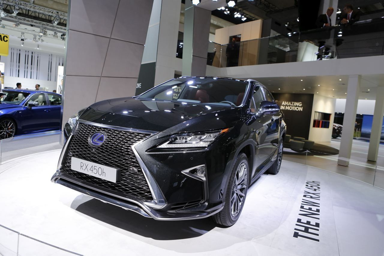 salon de francfort 2015 le lexus rx 450h en premi re europ enne photo 23 l 39 argus. Black Bedroom Furniture Sets. Home Design Ideas
